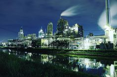 #日本 #Japan #新潟 #niigata #旭カーボン #riverside #工場 #factory #夜景 #Nightview #Nightimages #工場夜景 #factorynightview #工場萌え #factory_night_view #factory_shotz #Japan_night_view #night_shooterz #yakei #yakei_luv #instagramjapan #canon8000d #canon #8000d #一眼レフ #撮影 #写真が好きな人と繋がりたい 1ヶ月前にも同じ場所で撮影 した 工場にて 今日は #カメラ の #師匠 @chop_biscuit さんに 撮り方を教えて貰ったので 自分が #進化 してるかどうか 試し撮り 前回は 夜景モード 今回は マニュアル 自分的には これだけでも かなりの進化です ありがとうございました 一緒に撮った ラパン は後日 upします by cks_m