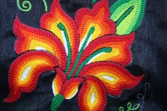 New embroidery designs dress textiles Ideas New Embroidery Designs, Embroidery Hoop Crafts, Mexican Embroidery, Embroidery Letters, Shirt Embroidery, Embroidery Patterns Free, Embroidery Hoop Art, Embroidery Stitches, Machine Embroidery