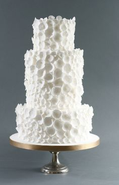 Eggshell wedding cake by Victoria Made