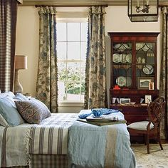 Master bedroom: traditional country house style