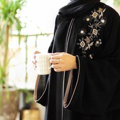 Modest Fashion Hijab, Abaya Fashion, Muslim Fashion, Modest Outfits, Fashion Outfits, Womens Fashion, Abaya Designs Dubai, Modern Abaya, Hijab Style