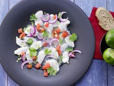 Ceviche von weißem Fisch: Der in Limettensaft marinierte frische Fisch bringt höchsten Genuss, aber kaum Fett und Kalorien.