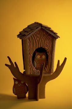 Owl Bird House made of vegan gingerbread! And to sweeten the pot, so to speak, the site links to the free e-book of detailed instructions to build your very own. Vegan Gingerbread, Christmas Gingerbread House, Christmas Cookies, Gingerbread Houses, White Christmas, Christmas Time, Christmas And New Year, Xmas, Halloween Cookies Decorated