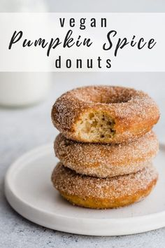 These vegan pumpkin spice donuts are simply the BEST! They're baked to perfection and so easy to make. You'll love these light & fluffy donuts loaded with pumpkin spice flavour! Vegan Pumpkin, Pumpkin Recipes, Fall Recipes, Pumpkin Spice, Healthy Pumpkin, Delicious Recipes, Health Desserts, Vegan Desserts, Vegan Sweets
