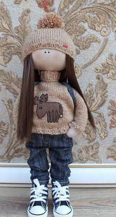 Шьем модную куклу1. нога - 4 шт;2. стопа - 2 шт;3. туловище - 2 шт;4. рука - 4 шт;5. передняя часть головы - 1 шт;6. задняя часть головы - 2 шт.      источник
