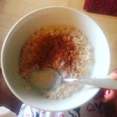 Yummy oats and cinnamon half water half milk #foodporn #yum #nutrition #motivation #eatclean #oats #cinnamon #oatpornchallenge #eatclean #food #breakfast #christmas #bodybuilding by @momomacros - more recipes at www.tomcooks.com