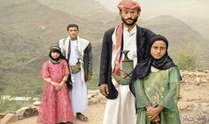 زواج القاصرات ظاهرة مرعبة تجتاح اليمن تحت ضغط من رجال دين متشددين: يزداد كل يوم في اليمن ظاهرة زواج القاصرات, وصغيرات السن دون سن الخامسة…