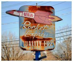 Rusted Roadside America - retro space