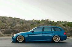BMW E91 3 series Touring blue slammed Wagon Cars, Bmw Wagon, E91 Touring, New Bmw 3 Series, Bmw 328i, Chevrolet Malibu, Bmw Cars, Super Cars, Jdm