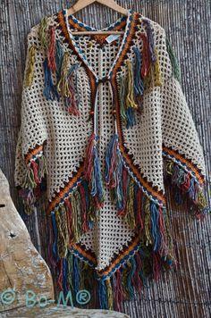 """Képtalálat a következőre: """"bo-m crochet kimonos"""" Poncho Au Crochet, Crochet Bolero, Bonnet Crochet, Crochet Poncho Patterns, Crochet Coat, Crochet Shawls And Wraps, Crochet Jacket, Love Crochet, Crochet Scarves"""