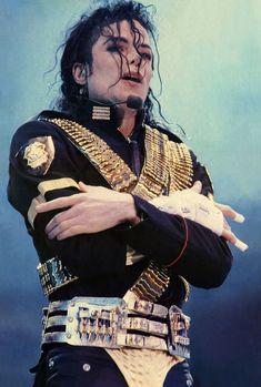 Michael Jackson Bad, Michael Jackson Outfits, Michael Jackson Dangerous, Mike Jackson, Jackson Family, Michael Jackson History Tour, Paris Jackson, Mj Dangerous, Michael Jackson Wallpaper