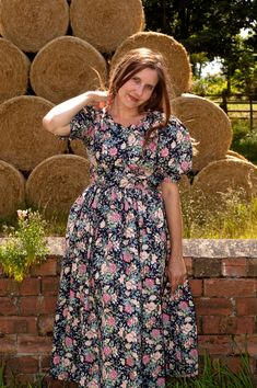 Jane Air Wears Vintage Dresses, Floral, How To Wear, Style, Fashion, Vintage Gowns, Swag, Moda, Fashion Styles