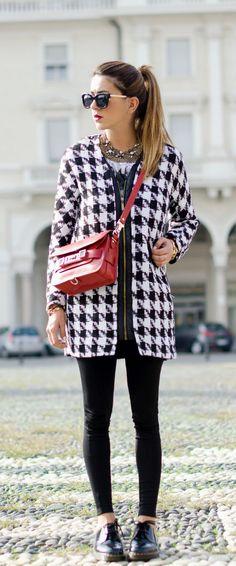 Nicoletta Reggio in her houndstooth pattern coat from Persunmall