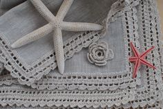 Crochet Edgings Design manteles individuales en lino y crochet Love Crochet, Beautiful Crochet, Easy Crochet, Knit Crochet, Craft Patterns, Stitch Patterns, Crochet Patterns, Crochet Borders, Crochet Edgings