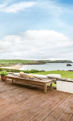 Imagine waking up, looking out of your window and seeing this! Overlooking Thurlestone Sands, Hope Lodge provides the most beautiful accommodation for a holiday by the sea Devon Cottages, New Forest, Outdoor Furniture Sets, Outdoor Decor, Sands, Holiday Ideas, Most Beautiful, Homes, Windows