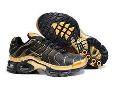 official photos 01b10 b7757 Chaussures de Nike Air Max Tn Requin Homme Or et Noir Baskets Tn. Basket  Pas CherSport ...