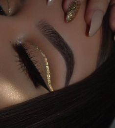 Картинка с тегом «makeup, nails, and gold»