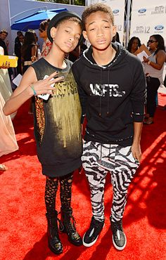 gosh I can't believe how much of a spitting image they are to Will. lol Willow Smith and Jaden Smith at the 2012 BET Awards in L.A. Will And Jada Smith, Will Smith And Family, Jaden Smith, Celebrity Kids, Celebrity Crush, Celebrity Style, Trey Songz, Big Sean, Ryan Gosling