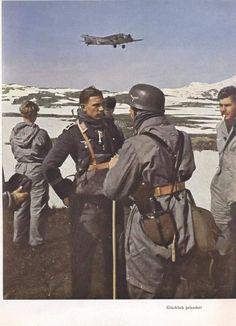 German Fallschirmjäger (paratroopers) in Norway, Luftwaffe, Paratrooper, Narvik, German Soldiers Ww2, German Army, Nagasaki, Hiroshima, Germany Ww2, War Photography
