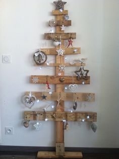 Arbre palette on pinterest pallet designs noel and - Sapin de noel en bois fabriquer ...