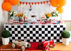 Adriana Gaspar e Marcela Castro 1st Birthday Themes, Race Car Birthday, Race Car Party, Airplane Party, Party Themes For Boys, Car Themes, Train Party, Birthday Ideas, Car Themed Parties