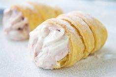 Omas Schaumrollen - Rezept | GuteKueche.at Dream Cake, Doughnut, Garlic, Deserts, Food And Drink, Pie, Muffins, Vegetables, Cookies