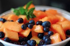 Clean Eating Breakfast with Blueberry Cantaloupe Clean Eating Breakfast, Breakfast Bowls, Breakfast Ideas, Brunch Ideas, Breakfast Time, Best Breakfast Recipes, Brunch Recipes, Cantaloupe Recipes Breakfast
