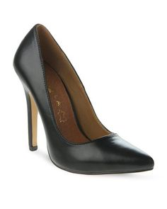 Invest in a classic with these Celli Heels by Daniella Michelle. This elegant design offers a synthetic upper and a genuine leather inner sole. Black in colour, it displays a pointed nose and a stiletto heel measuring 11cm. Perfect for work or play, these heels are ideal for taking you from your desk to dinner.