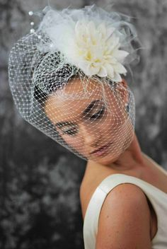 Bird Cage Veil- 18 inches long, ivory-- with Flower and Pearl Fascinator