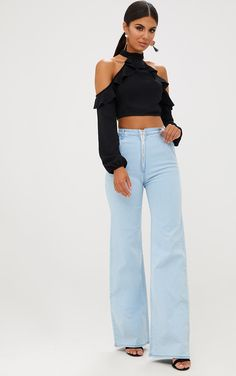 Light Wash Ring Pull Extreme Wide Leg JeansFeaturing a high waist, wide leg fit with a ring zip f...