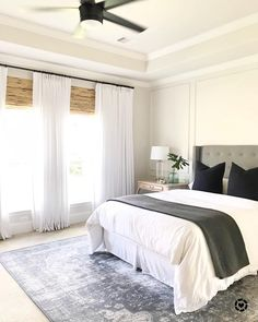 bett unter die schr ge und links und rechts einbauk sten genial die integrierten nachtk stchen. Black Bedroom Furniture Sets. Home Design Ideas