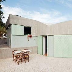 Concrete house by Langarita-Navarro photographed as a crime scene