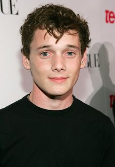 Anton Yelchin _ the young American actor of Russian Jewish descent died on June 19 2016 when his own vehicle pinned him. Spencer Reid, Spock, Star Trek Reboot, Anton Yelchin, Toronto Film Festival, Young Americans, Star Wars, Forever Young, Attractive Men