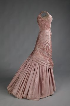 "Charles James ""Tree,"" side view. This version of the Tree was executed in 1957. It is an example of James' ability to shape his fabrics over an artificial framework, rather than a human body, and yet still create wearable and even comfortable garments."