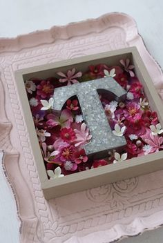 Frame, Flowers, Home Decor, Picture Frame, Decoration Home, Room Decor, Frames, Royal Icing Flowers, Home Interior Design