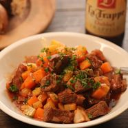 Recipe for Beef with courgette, pumpkin, potato and La Trappe Dubbel Best Pubs, Pub Food, Food Combining, Beer Recipes, Craft Beer, Potatoes, Pumpkin, Yummy Food, Beef