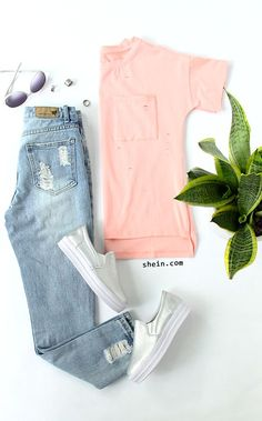 Lovely summer look-Pink Front Pocket Dip Hem T-shirt Outfit.