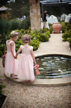 Cute flowergirls.