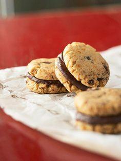 Mexican Chipotle Chocolate Bites.           #Cookies #Galletas #Desserts #Postres #Recipes #NewStuff #CosasNuevas #Interesting #Interesante  ========================  Rolando De La Garza Kohrs  http://About.Me/Rogako ========================