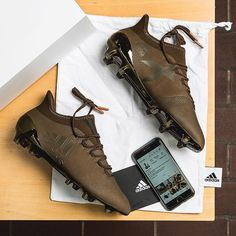 New Brown - 👍 or 👎 Pic by 📷 Picture of the Day ⭐️ Bild des Tages Adidas Soccer Boots, Adidas Cleats, Adidas Football, Soccer Shoes, Cool Football Boots, Football Shoes, Football Cleats, Best Soccer Cleats, Soccer Gear