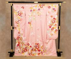 振り袖:ピンク/花に御所車   Furisode :  pink / Flowers & Court carriage
