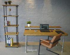 Zoek je een industrieel bureau van steigerhout en steigerbuis om aan te studeren? Dan ben je bij Design85 aan het juiste adres. Een ruim en industrieel bureau voor iedere werkplek. Office Desk, Furniture, Home Decor, Google, Desks, Desk Office, Decoration Home, Desk, Room Decor