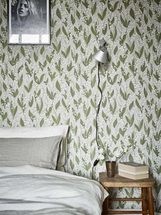Wallpaper inspo for bedroom - Wallpaper Lily of the valley grey - Sandberg Wallpaper Cozy Bedroom, Bedroom Decor, Bedroom Photos, Inspirational Wallpapers, Lily Of The Valley, Scandinavian Design, Decoration, Home Furniture, Sweet Home