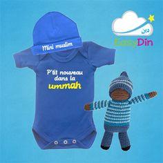 """Un body bébé """"Nouveau dans la ummah"""" + un bonnet de naissance """"Mini muslim"""" et une poupée crochetée sans visage www.easydin.com"""
