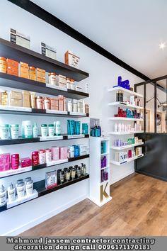 Hair Supply Store, Beauty Supply Store, Beauty Salon Decor, Beauty Salon Interior, Deco Spa, Lingerie Store Design, Home Hair Salons, Spa Treatment Room, Home Decor Shelves