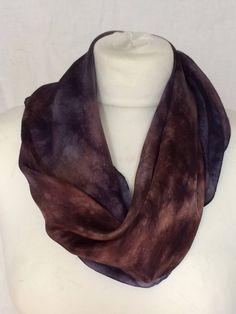 Een handgeverfde vierkante zijden sjaal stola. Silk shawl handpainted. Herfst Autumn. Kerst Chtistmas. door SchaapenVacht op Etsy