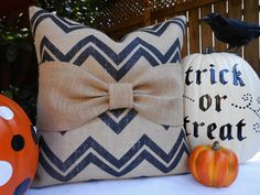 Chevron, burlap and bows, oh my!