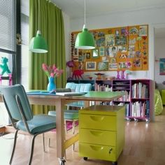 Words cannot describe this color splashed home lived by an artist which have been selected by IKEA Family Live. (in Malay)