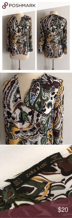 """Zara funky blouse Zara blouse. Size S. Measures 26"""" long with a 37"""" bust. 100% polyester. This is slightly sheer and has no stretch. Very good used condition!  🚫NO TRADES🚫 💲Reasonable offers accepted💲 💰Ask about bundle discounts💰 Zara Tops Blouses"""