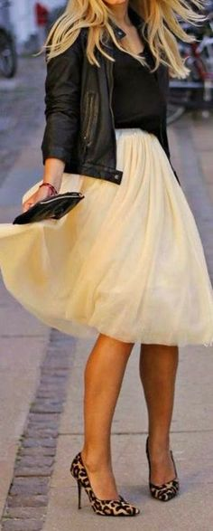 Cream Tulle Skirt with Leopard Heels and Black Leather Jacket / Awe Fashion for Fall and Winter Street Style Inspiration. Love the whole outfit! Look Fashion, Autumn Fashion, Womens Fashion, Spring Fashion, Fashion Shoes, Latest Fashion, Trending Fashion, Fashion Trends, Fashion Outfits